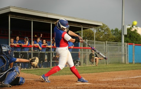Softball defeats Lady Patriots