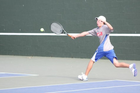 Tennis falls short against Round Rock