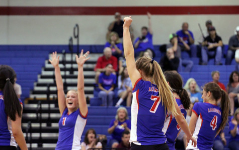 Volleyball sweeps Marble Falls
