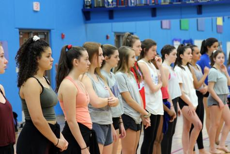 Blue Belles hold holiday workshop
