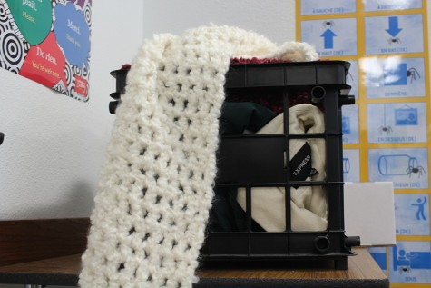Foreign language clubs begin winter clothes closet