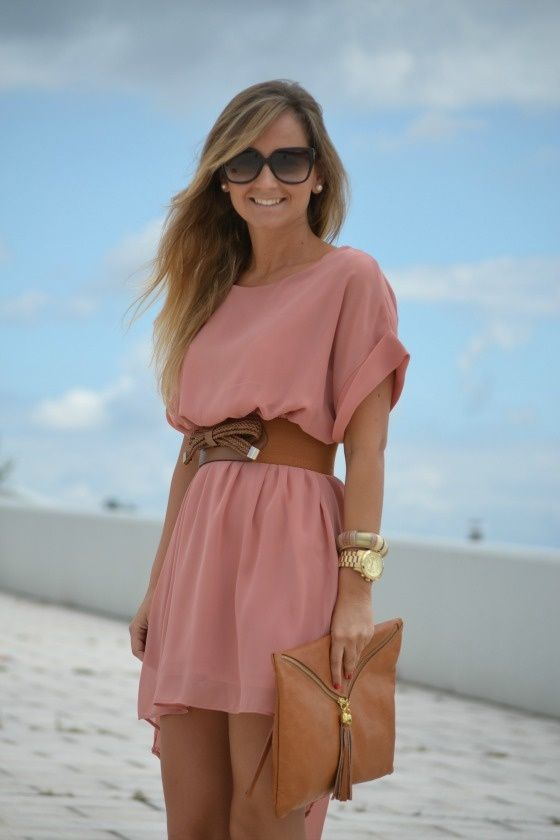 These are some stylish alternatives that meet the dress code. This dress is longer than the required length and still cute, fresh and in line with trends.