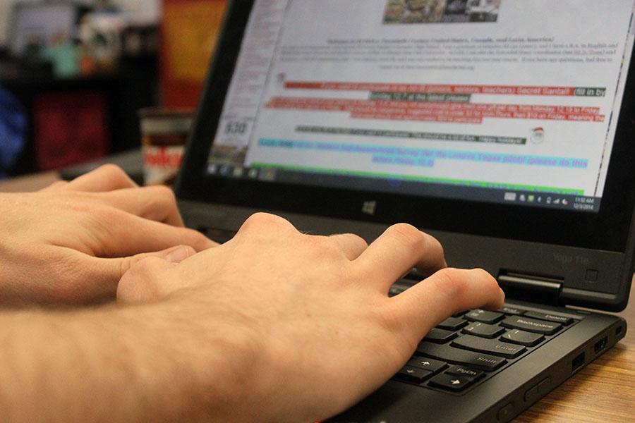 Junior+Zachary+Markham+uses+the+Lenovo+Thinkpad+in+History+of+the+Americas
