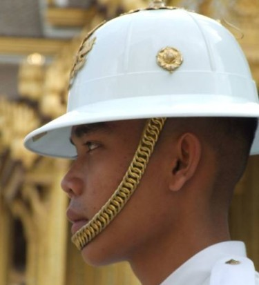 A Thai soldier at attention