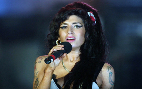 Amy Winehouse giving a performance