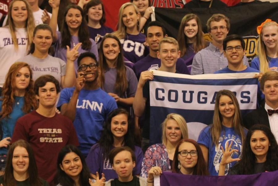 All+the+seniors+showing+their+school+pride+after+the+rally