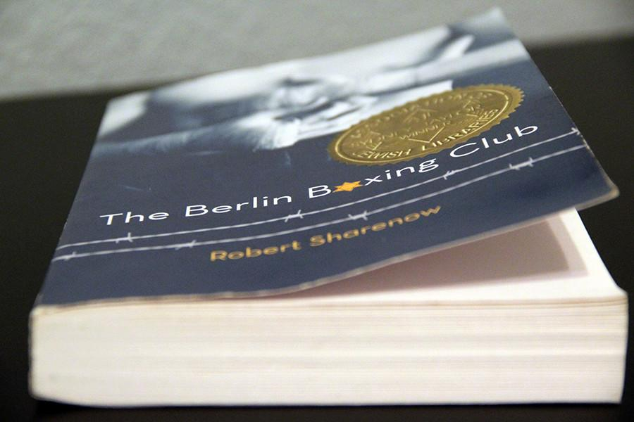 The+Berlin+Boxing+Club+is+418+pages+total.+The+author%2C+Robert+Sharenow%2C+is+also+a+huge+TV+producer+for+A%26E.