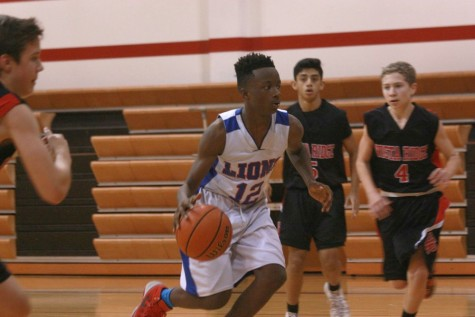 Lions narrowly escape the Lobos