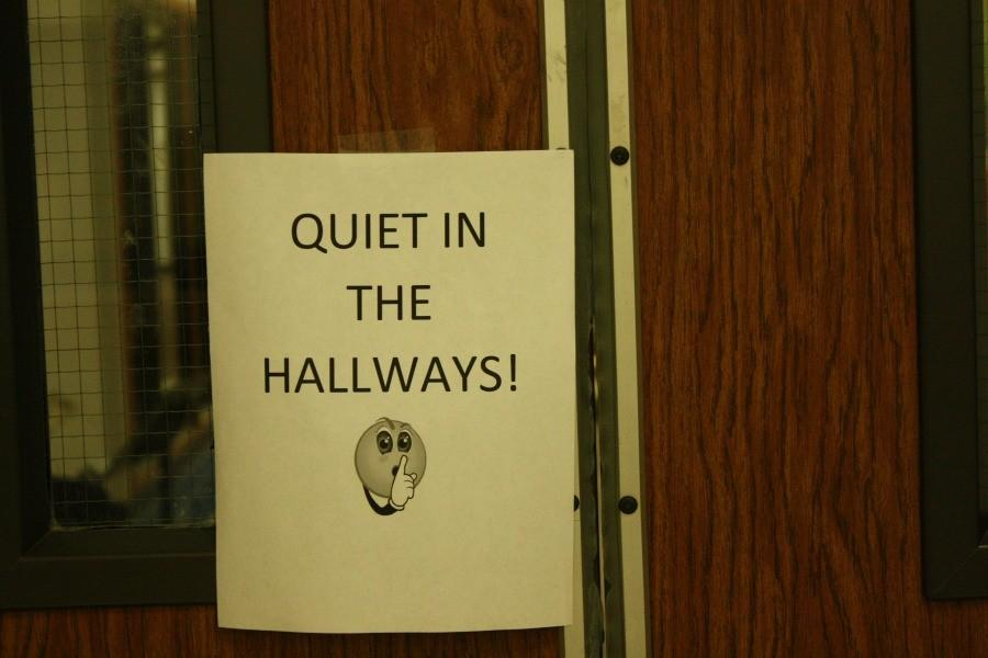 A+sign+directors+posted+in+the+hallways+in+order+to+keep+the+noise+down+while+students+played+their+solos+and+ensembles.