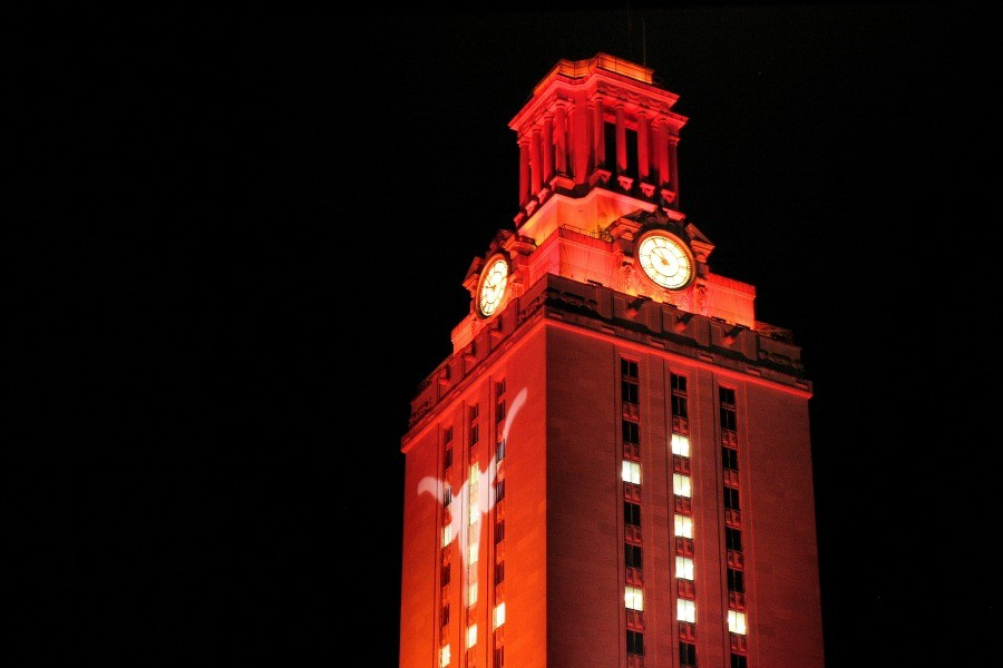 The main tower of UT Austin lit up for the graduating class of 2013. There is talks with the White House to make the advice available at a national level.