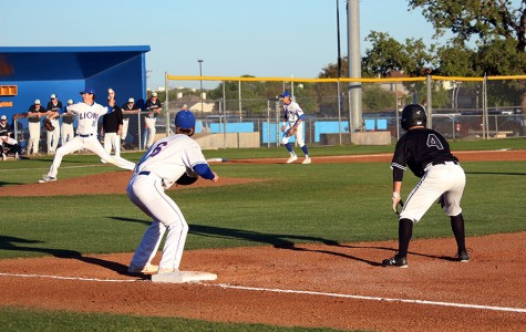 Lions win series against Vandegrift