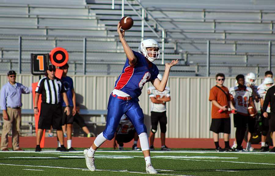 Will Loofe throws a pass to Cameron Allen. This was during the win against Westwood.