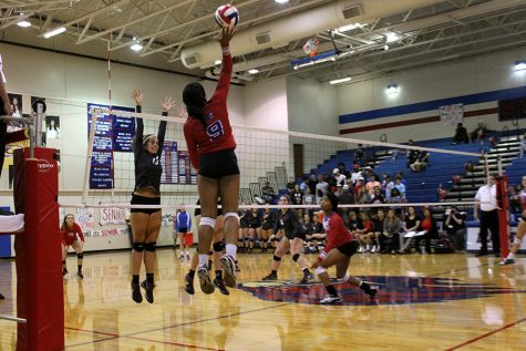Volleyball sweeps Marble Falls in all matches