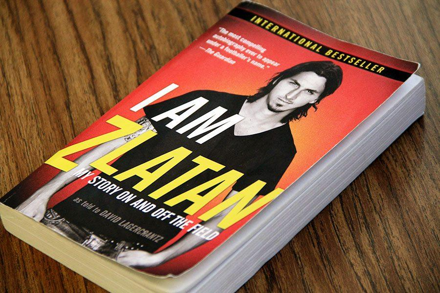 The book is inspired by Zlatan Ibrahimović and written by David Lagercrantz. It is an autobiography about the famous Swedish soccer player.