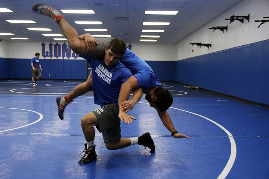 Senior+Ricky+Smith+wrestles+during+the+class+period.+He+went+2-0+during+the+McNeil%2FShoemaker+tri-meet.